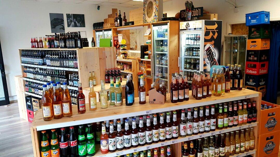 Limonade, Bier und Kühlschränke in der Limo Lounge